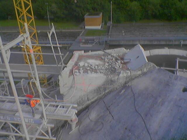 Hotze-OGT-Betonabruch mit Wasserkraft die Reste