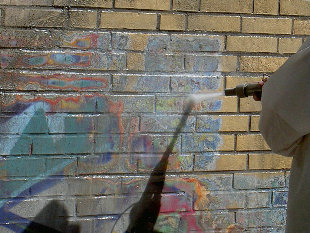 Hotze-OGT-Graffityentfernung mit Torbostrahlen