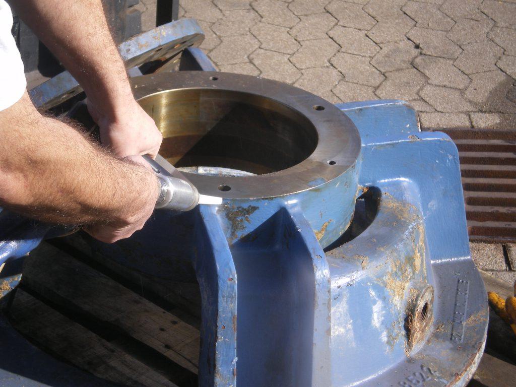 Hotze-OGT-Reinigung von Dichtflächen mit Trockeneisb