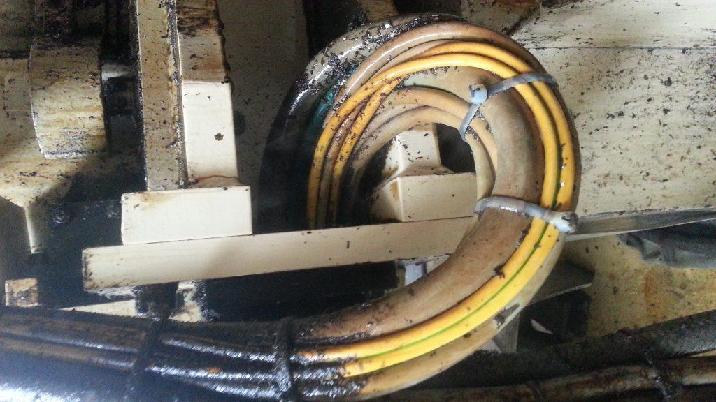 Hotze-OGT-Mit Heißdampf in Verbindung mit Biosid gereinigter KabelstrangK