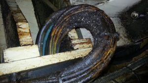 Hotze-OGT-Fett und Öl verschmierter Kabelstrang